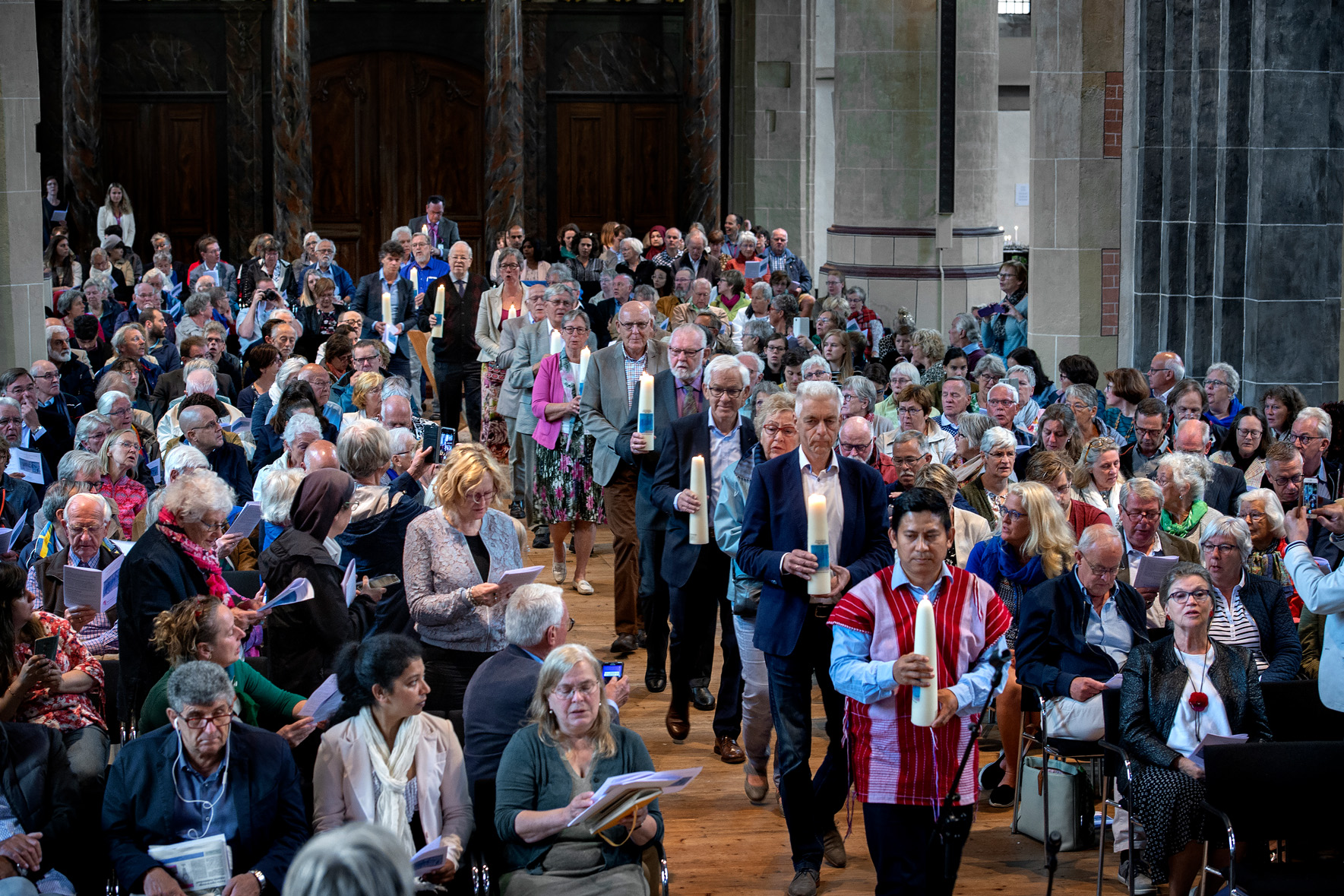 Martinikerk zondag 24 juni kaarsenprocessie